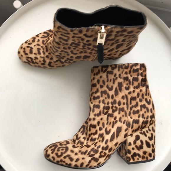 27303b915ffe95 Sam Edelman leopard booties. M 5bd5d721534ef92305d77e18